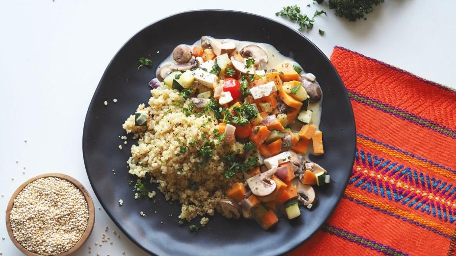 Peruanisch kochen Rezept Picante de Quinoa mit Gemüse