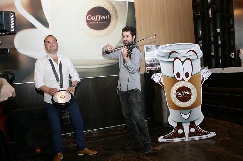 2 Man Show, o muzica numai buna pentru cafea