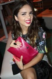 Daniela Ramírez de Nany's Klozet, muestra la linda cartera y joyas que recibió de la firma Tous.