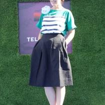 La linda y versátil Angeles Almuna posando en la alfombra azul. Les recomiendo que le echen un vistazo a su blog de moda, con su mismo nombre.