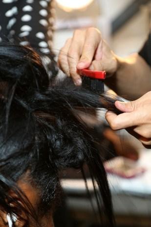 Para crear más textura en el cabello se utilizó este cepillo.