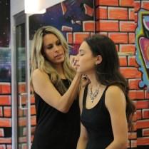 La experta en maquillaje nos muestra cómo aplicar los productos de Urban Decay.
