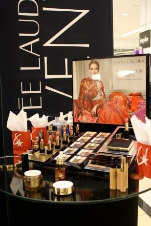 Estée Lauder presentó sus productos para estas fiestas.