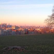 Sunset Park al atardecer. No importa la época del año, siempre ofrece un hermoso espectáculo.