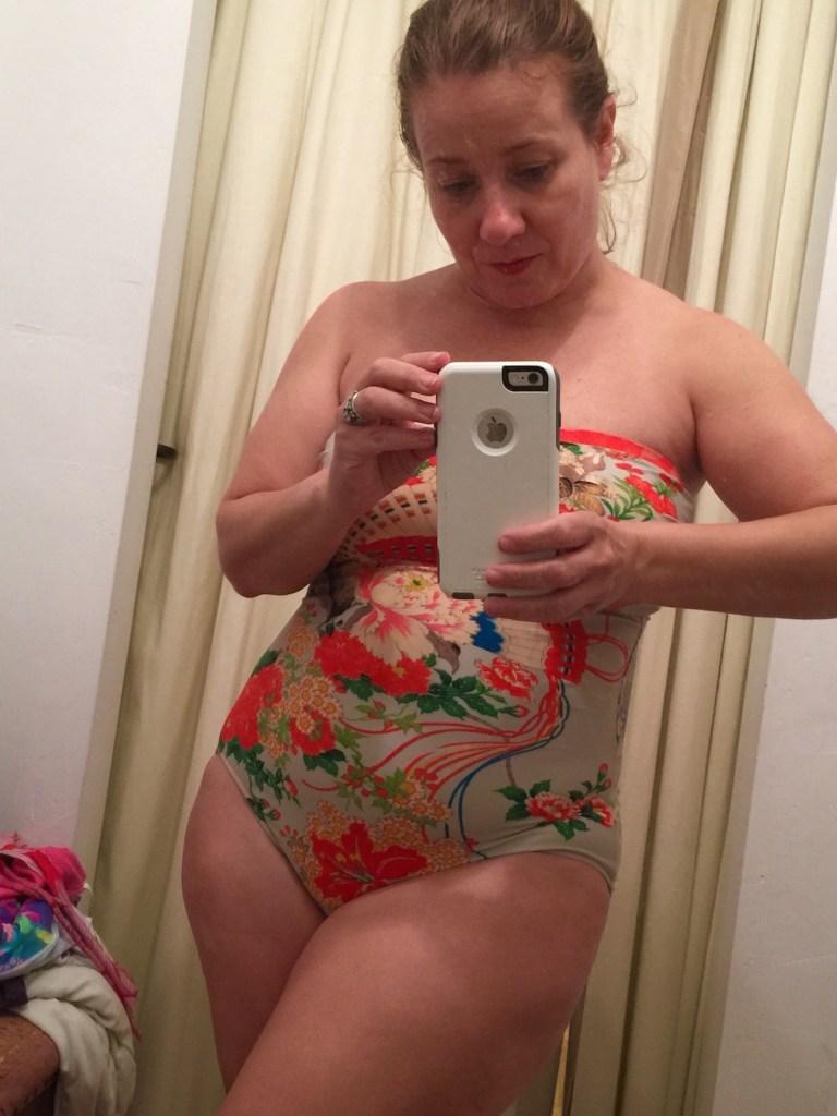 Cómo comprar un traje de baño