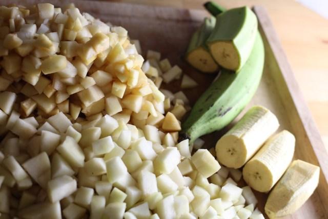 Preparación de los chiles en nogada