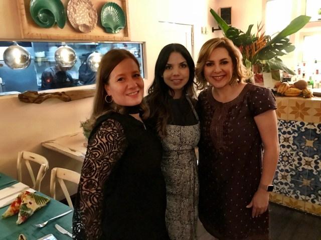 Ana Cristina Enríquez, Chef Tita y Ana María Canseco en restaurante Travesías