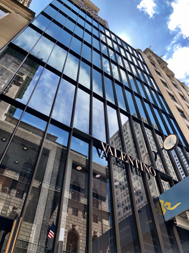 Salón de Jorge Luis NYC en la Quinta Avenida