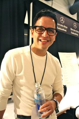 El diseñador Luis Antonio, originario de Puerto Rico estuvo pendiente de todos los detalles.