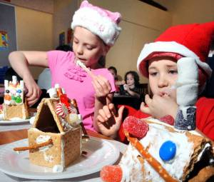 Make a Little Gingerbread House at the Auburn Public Library