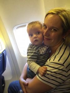 Naš Maj prvič na letalu – pot je prenesel več kot odlično!