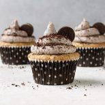 Oreo-Cupcakes-with-Cookies-and-Cream-Frosting_EXPS_FT19_247265_F_1203_1