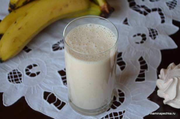 коктейль из кефира с бананом и зефиром