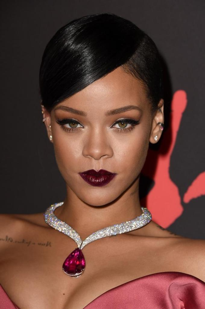 rihanna-diamond-ball-make-up