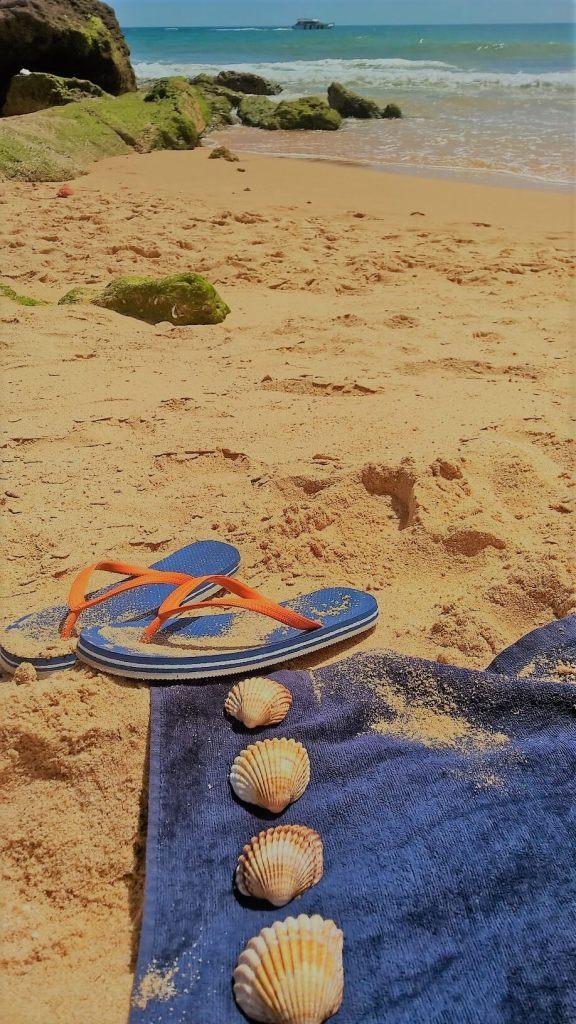 Ferien für Mama an der Algarve - Praia da Galé - Pedras amarelas - Portugal