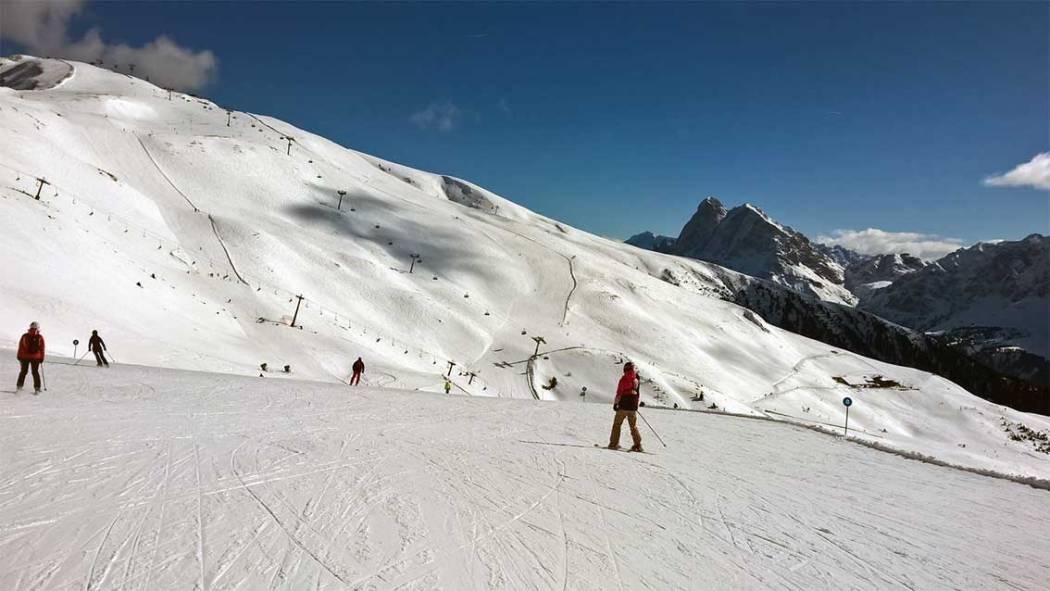 Achtsamkeit in der Familie: Skihütte in Südtirol: Skiurlaub mit Kindern