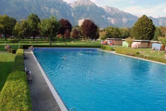 Ausflug ins Tivoli Schwimmbad in Innsbruck und ganz viel Sonnenschein im Grünen