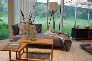 Einge Wohlfühlwelt rund um ökologische Matratzen und Möbel: die neue Grüne Erde Welt