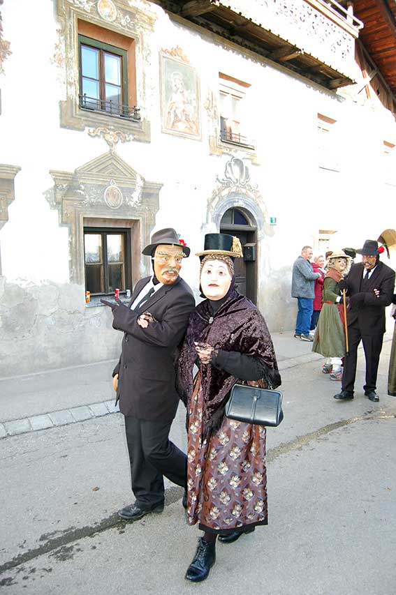 Fasching in Tirol: Vampeler Reiten in Axams