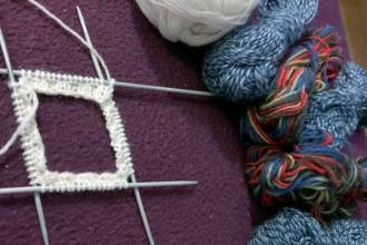 Socken stricken aus Wollresten