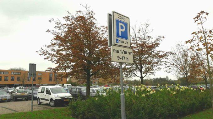 In Drachten 3 uur gratis parkeren mits je een parkeerschijf gebruikt.