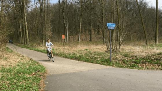 Na 2,5 uur fietsen heb ik 28 kilometer afgelegd en 660 calorieën verbrand.