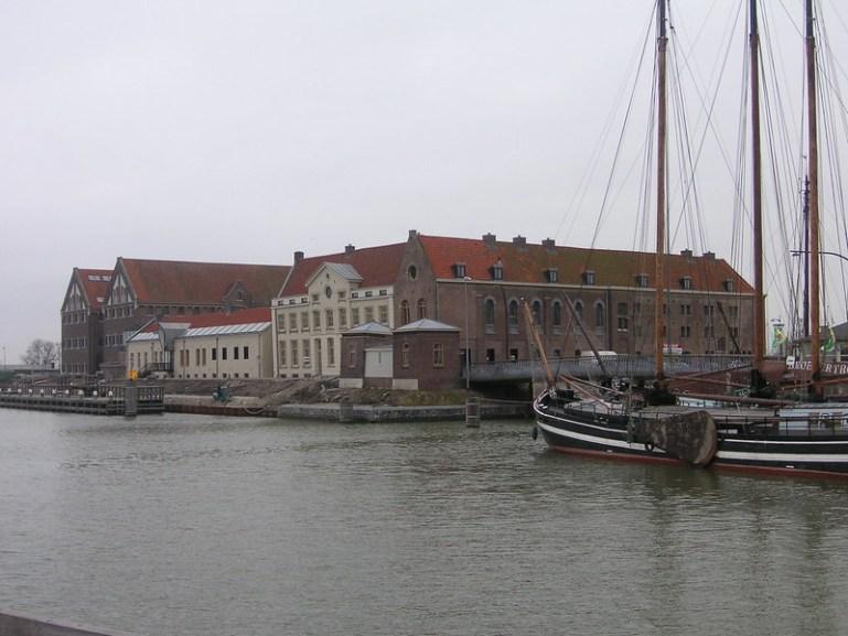 Overnachten in de bajes Oostereiland Hoorn