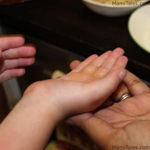oiling-hands-ladoos