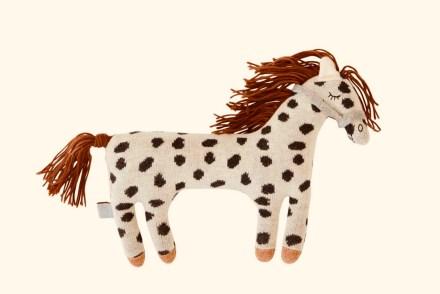 Stofftiere kleiner Onkel von Pippi Langstrumpf. Das Ich-mach-mir-die-Welt-wie-sie-mir-gefällt-Pferd zu Corona-Zeiten
