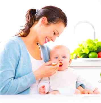 MamiWiki Stillen Milch Baby Ernährung erster Brei Abpumpen Fläschchen