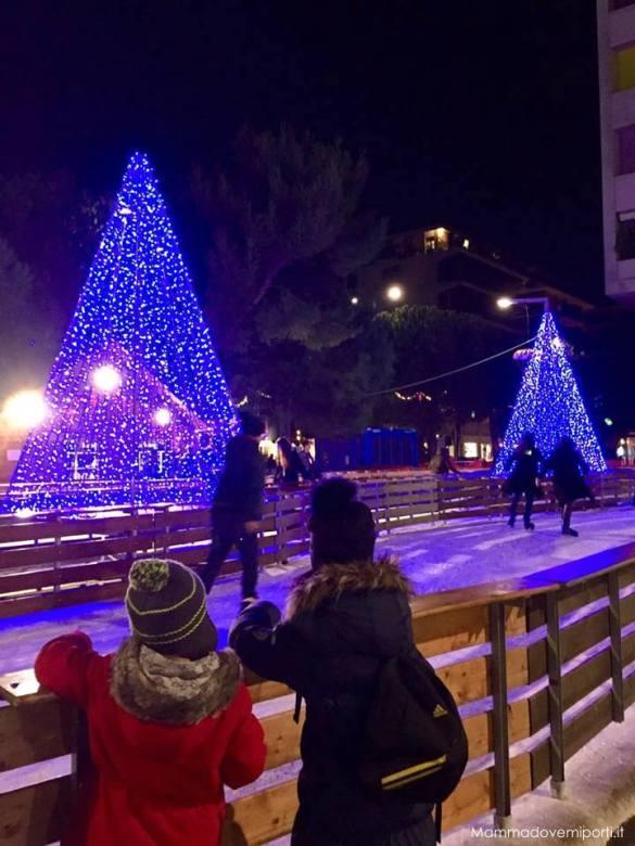 Luci d'artista Luminarie Pescara Natale 2017 - Piazza Salotto