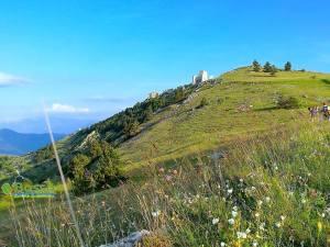 Trekking Natura e Gastronomia ai piedi di Rocca di Calascio (Aq)