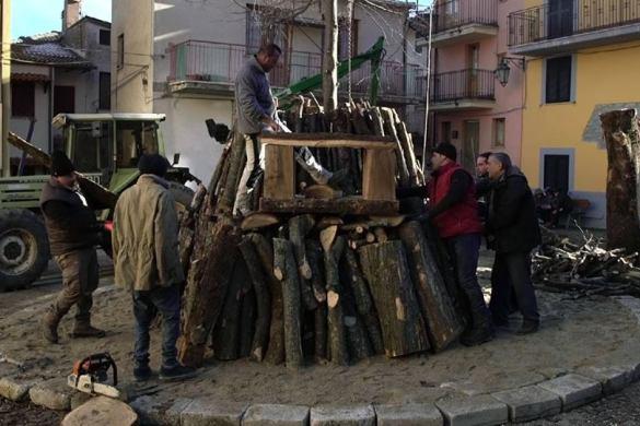Attorno-al-Fuoco-La-Vigilia-di-Natale-a-Nerito-TE- Cosa fare a Natale con i bambini in Abruzzo