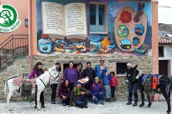 A-passo-dasino-nel-paese-dei-Murales-ad-Azzinano-Tossicia-Teramo