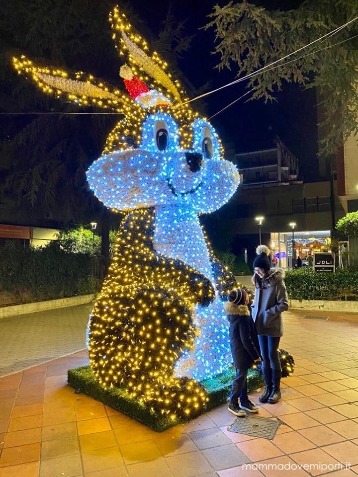 Luci d'artista Luminarie Natale a Pescara 2019 - Piazza della Rinascita