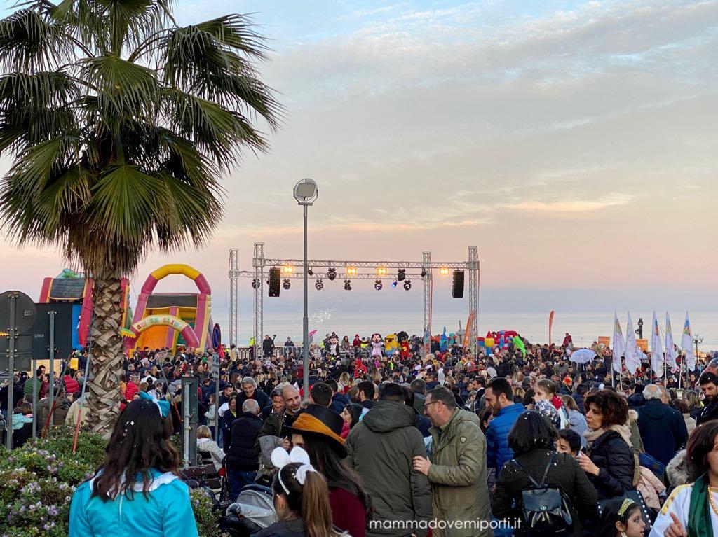 Carnevale Giuliese panorama sul mare