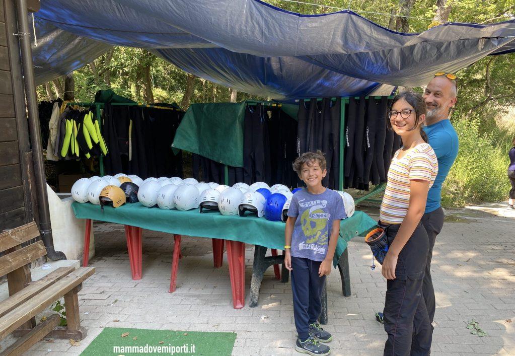 Mute e caschi di Rafting per famiglie in Abruzzo