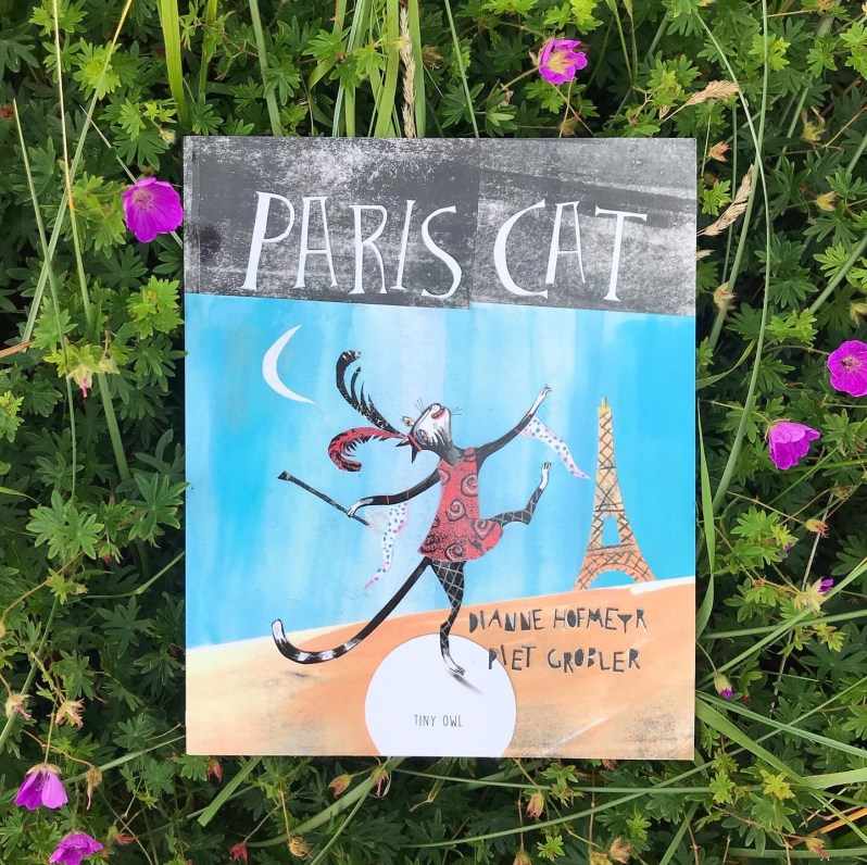 Paris cat book review on mammafilz.com