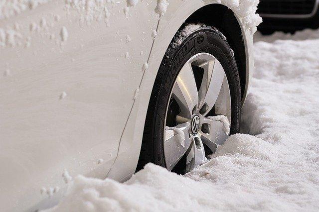 Cambio pneumatici invernali 2020: come funziona?