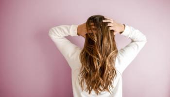 capelli bianchi come coprirli in modo naturale
