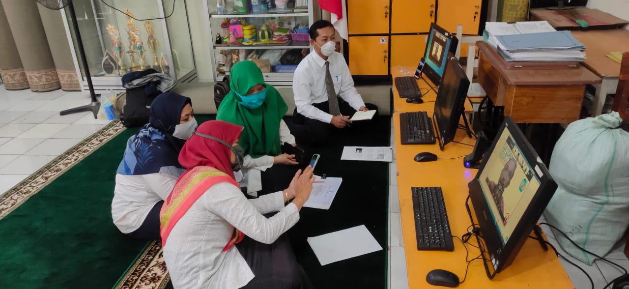 Zoom Meeting persiapan Akreditasi Madrasah