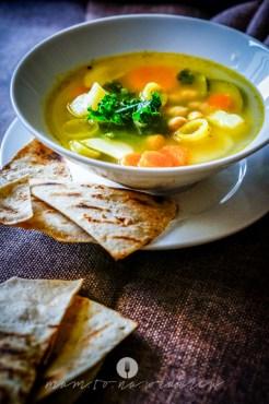 na widelcu zupa ciecierzyca jarmuż 6898
