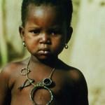 La cordelette « protectrice » en Afrique