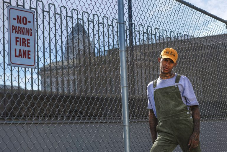 how to wear men's dungarees_how to wear overalls guys