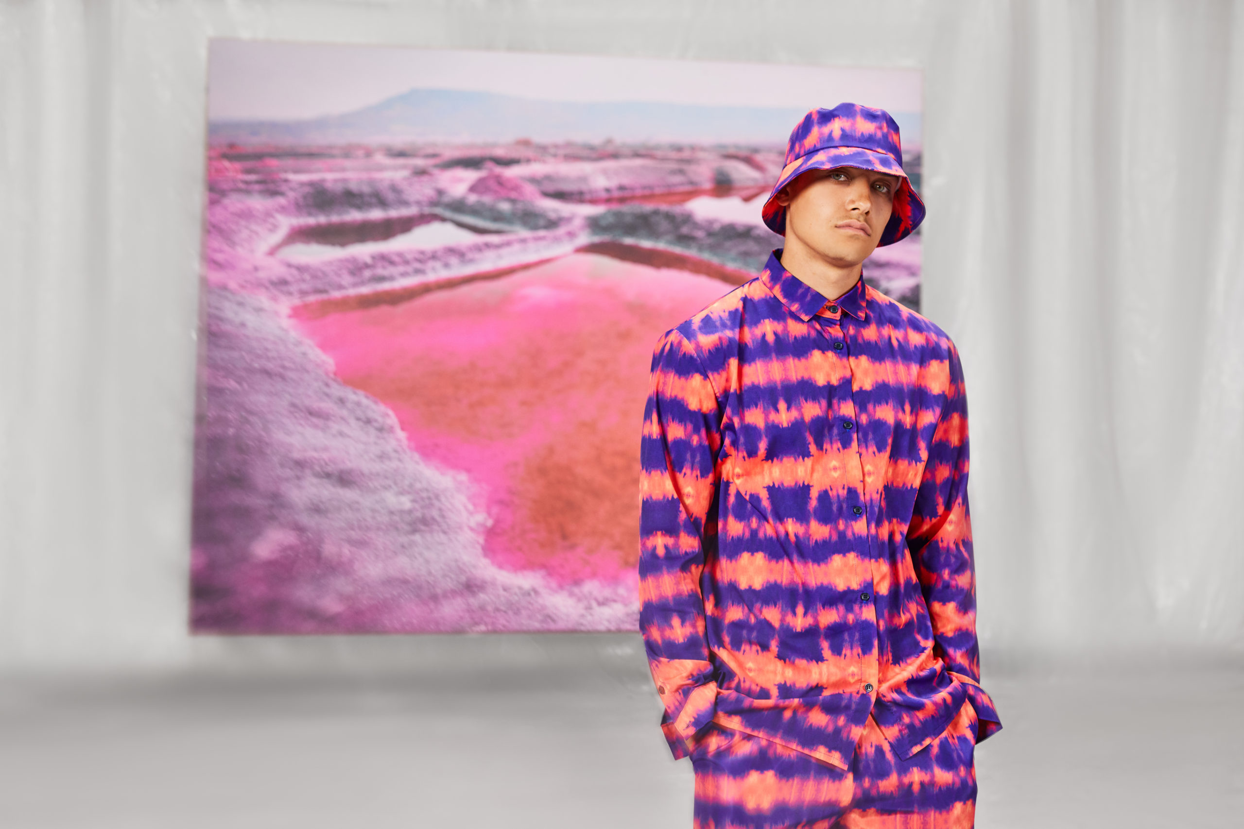 How to Wear Tie-Dye? Top Tips to Pull Off the Tie-Dye Trend for Guys