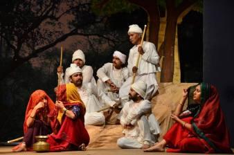 Maldharis listening to Aai Maa