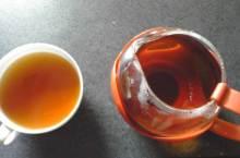 日本国産紅茶専門サイト:京都紅茶道部支配人の机