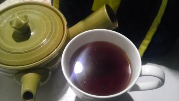 東八重製茶20130729 東八重製茶紅ふうき茶2012 -茶液
