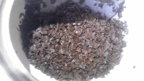 伸晃園(塗木製茶工場)20130911 知覧紅茶やぶきた2013 -茶殻