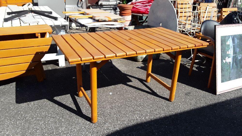 table de jardin en bois rectangulaire